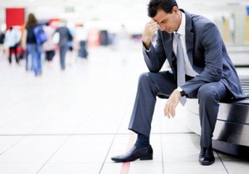 A (im)possibilidade de limitação da indenização por danos materiais decorrentes de extravio de bagagem por companhia aérea