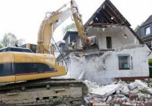 O que fazer quando se constrói casa em terreno do vizinho?