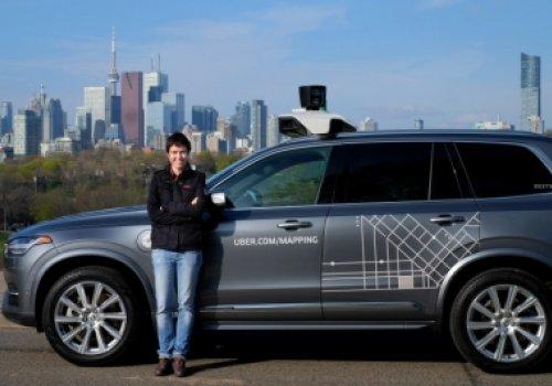 A natureza jurídica da relação existente entre motoristas e empresas de aplicativos de transporte particular (Uber)